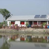 2011: Výstavba vesnické školy Ambari